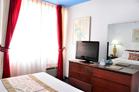 One-Bedroom Queen