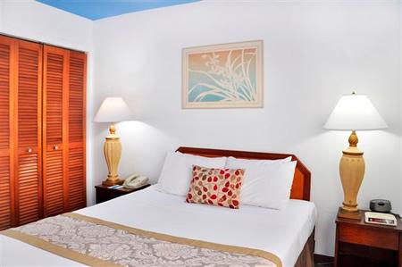 One-Bedroom Quad