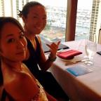 高層にあるラグジュアリーなレストランでお食事