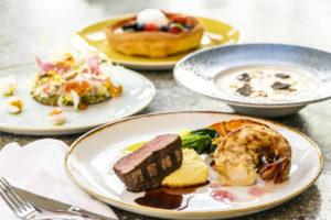 クイーンカピオラニホテルの人気レストラン「デック」のホリデープラン